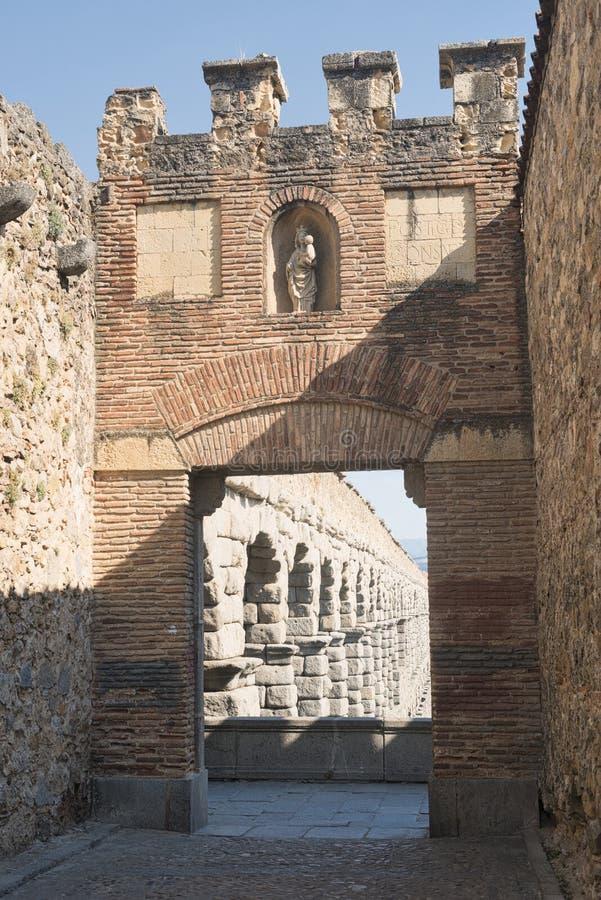 塞戈维亚西班牙:罗马渡槽 库存图片