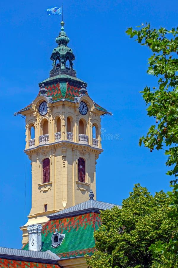 塞格德,匈牙利城镇厅的塔时钟  图库摄影