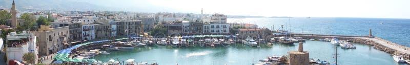 塞浦路斯北girne的海滨广场 免版税库存图片