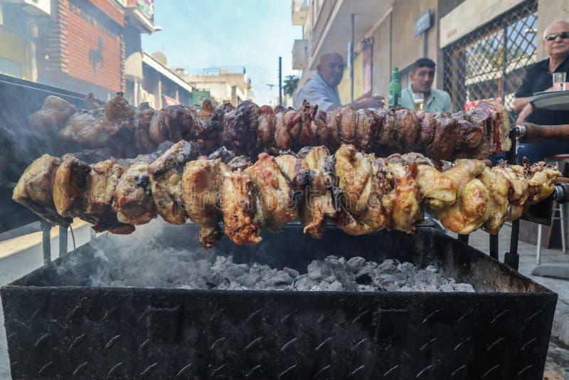 塞浦路斯的传统souvla,户外格栅 免版税图库摄影