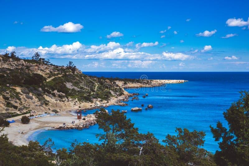 塞浦路斯的Ayia Napa,海角格雷科半岛,全国森林公园盐水湖 免版税库存照片