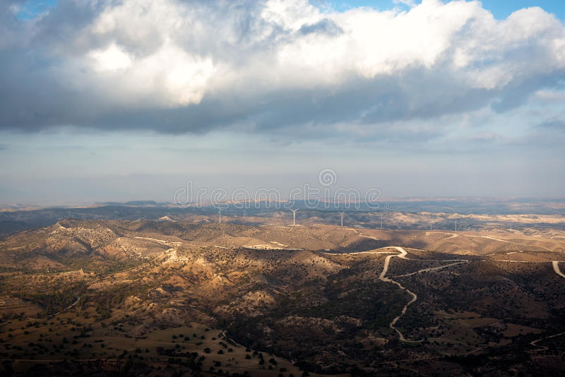 塞浦路斯风景 从Stavrovouni修道院的看法 拉纳卡分配 免版税库存图片