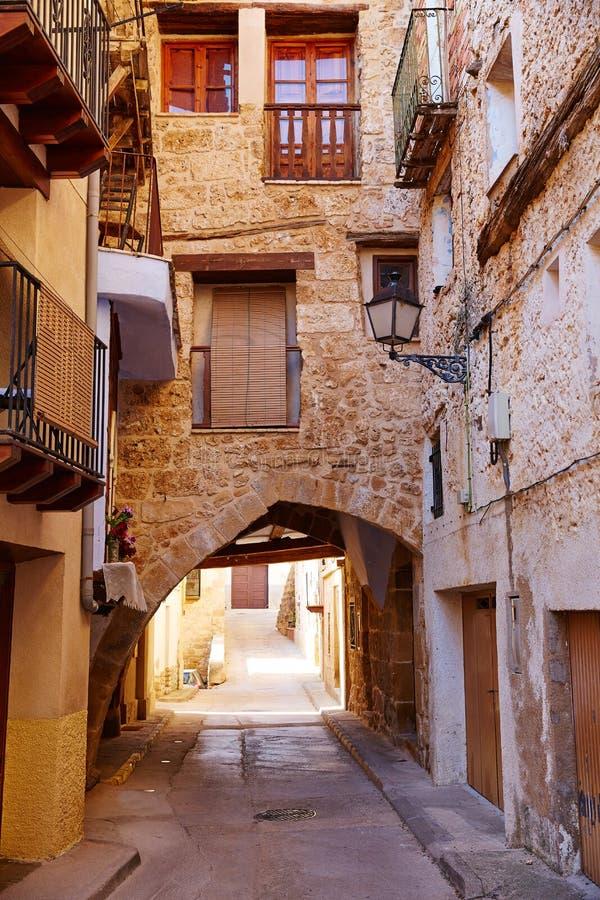 贝塞特村庄在特鲁埃尔省西班牙在Matarrana 库存照片