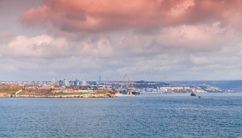 塞瓦斯托波尔海湾,沿海都市风景 库存图片