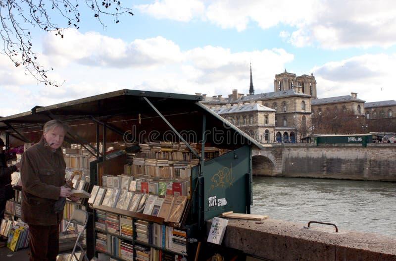 塞纳河的银行在巴黎 免版税库存图片