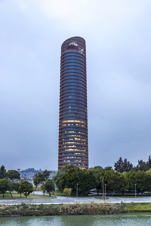 塞维利亚塔,办公室摩天大楼在塞维利亚市,西班牙 库存图片