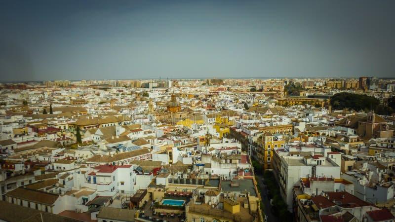 塞维利亚老镇的一张全景鸟瞰图在安大路西亚,西班牙 免版税库存照片