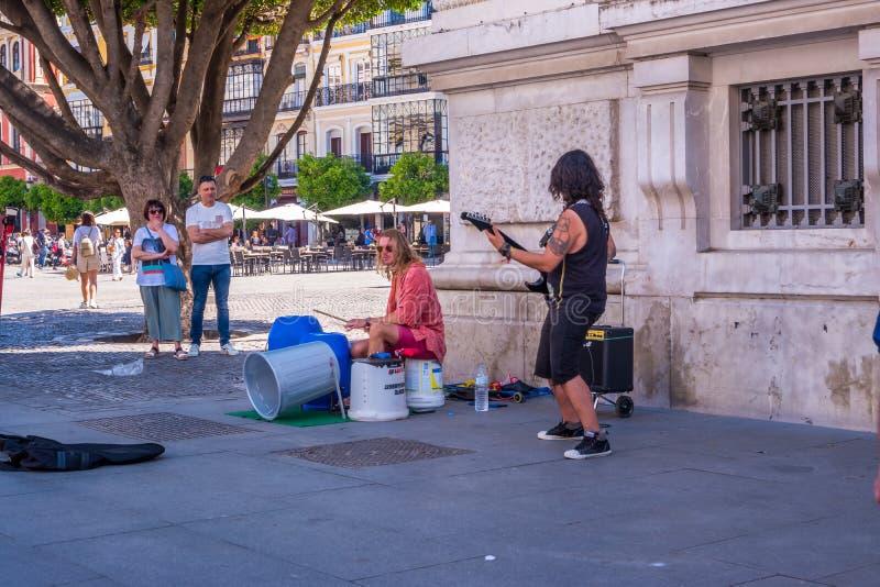 塞维利亚,西班牙可以唱和弹吉他的第8 2019卖艺人 库存图片