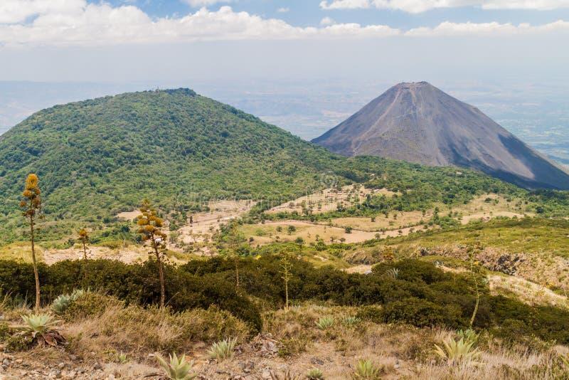 塞罗佛得岛火山离开,伊萨克火山火山权利,El Salvad 库存照片
