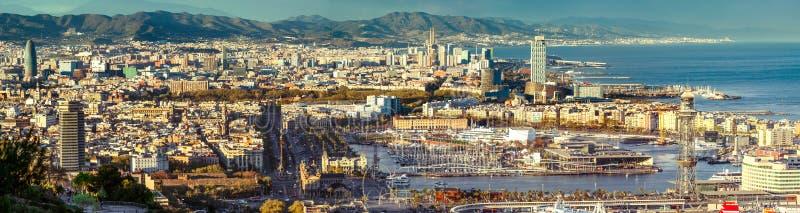 巴塞罗那全景Montjuic小山 免版税图库摄影
