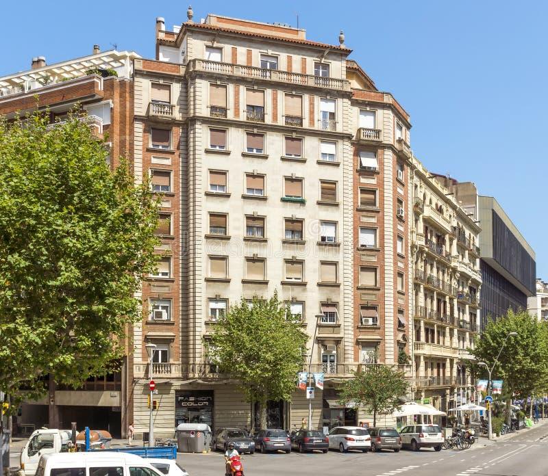 巴塞罗那典型的建筑学  免版税库存图片