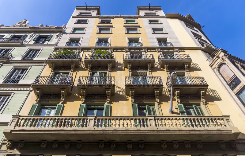 巴塞罗那典型的建筑学  免版税图库摄影