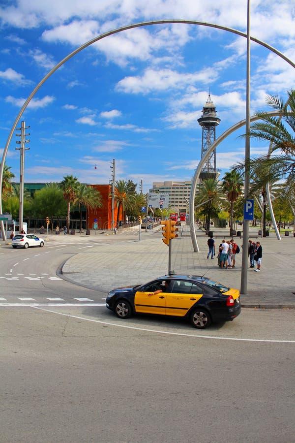 巴塞罗那出租汽车和空中览绳 免版税库存照片
