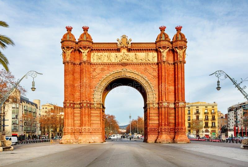 巴塞罗那胜利曲拱在一个夏日在巴塞罗那,西班牙 免版税库存照片