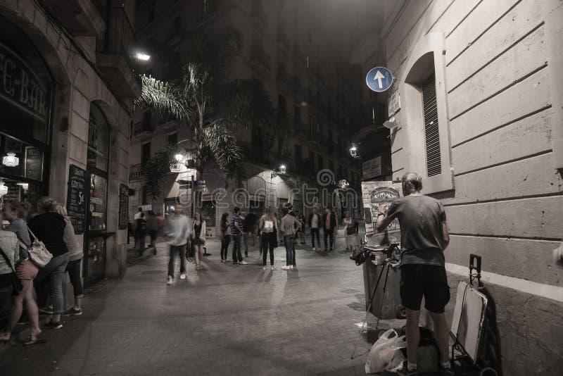 巴塞罗那街道在晚上 免版税图库摄影