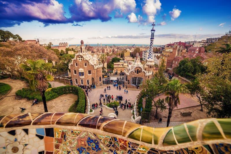 巴塞罗那,卡塔龙尼亚,西班牙:公园安东尼Gaudi Guell  免版税库存照片