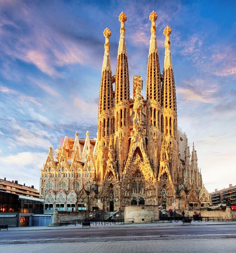 巴塞罗那,西班牙- 2月10 :Sagrada Familia,大的看法 免版税库存照片