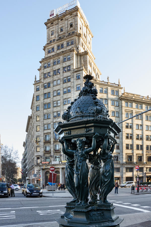 巴塞罗那,西班牙建筑学,雕刻的装饰, Avinguda D 免版税库存照片