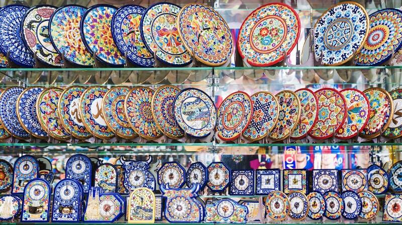 巴塞罗那, SPAIN-17 9月:礼品店展示窗口与p的 库存图片