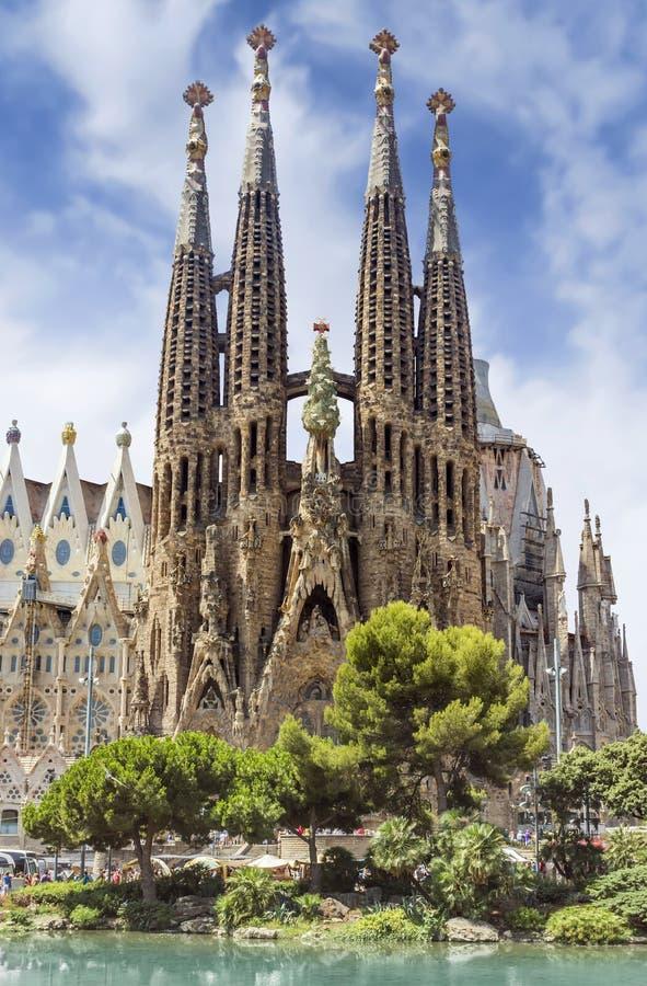Download 巴塞罗那familia sagrada 库存图片. 图片 包括有 布琼布拉, 纪念碑, 极大, 大教堂, 西班牙语 - 62531631