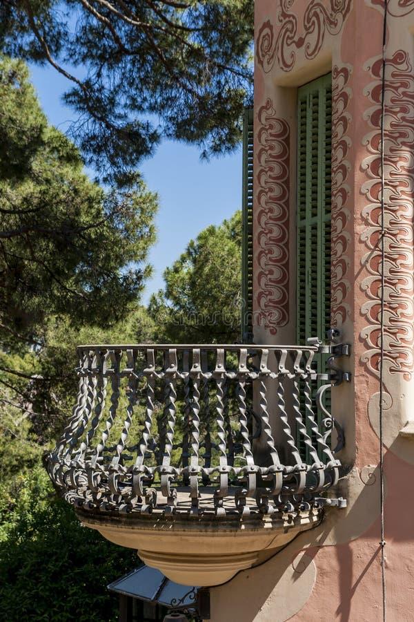 Download 巴塞罗那guell公园西班牙 编辑类库存图片. 图片 包括有 ,并且, 欧洲, 加泰罗尼亚语, 艺术, 建筑 - 59110394
