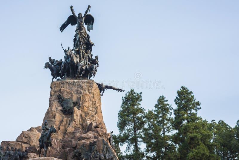 塞罗de la格洛里亚纪念碑在Mendoza,阿根廷 库存照片