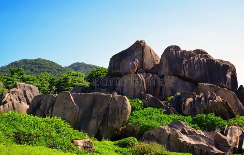 塞舌尔拉迪格岛带大花岗岩的热带景观 免版税库存图片