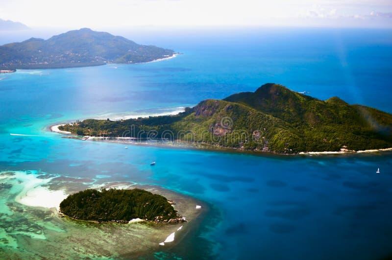 塞舌尔群岛共和国鸟瞰图的几个海岛 图库摄影