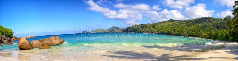 塞舌尔群岛海滩全景 免版税库存图片