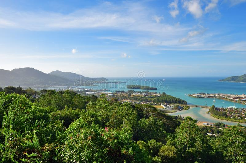 塞舌尔群岛的海岸线 免版税库存照片