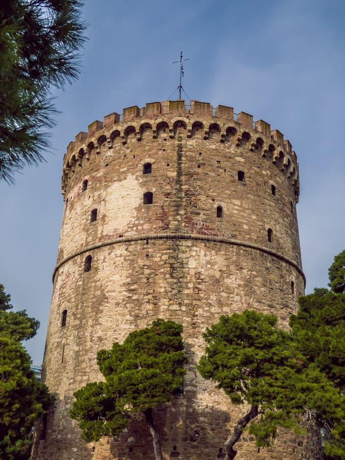 塞萨洛尼基白塔-臭名昭著的中世纪监狱塔,现在博物馆-广角射击 库存图片