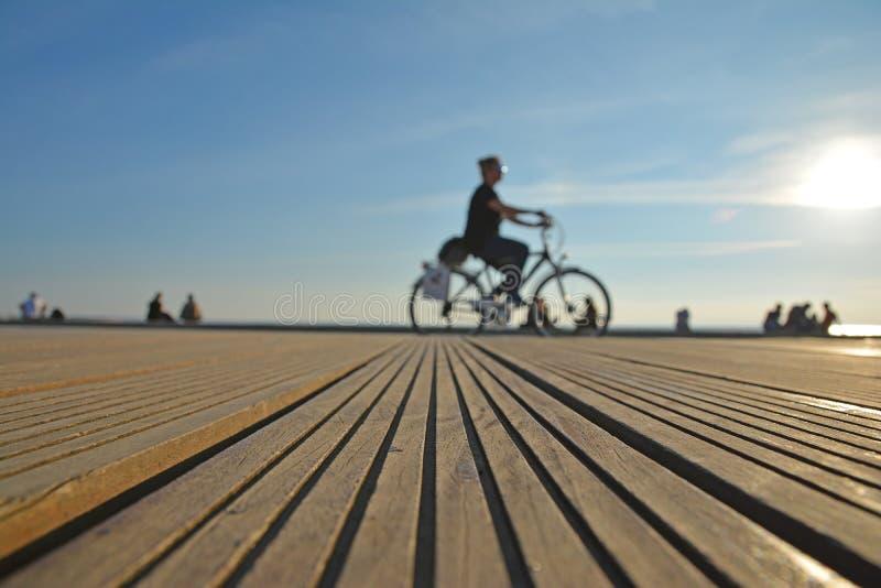 塞萨罗尼基港口自行车骑士 免版税图库摄影