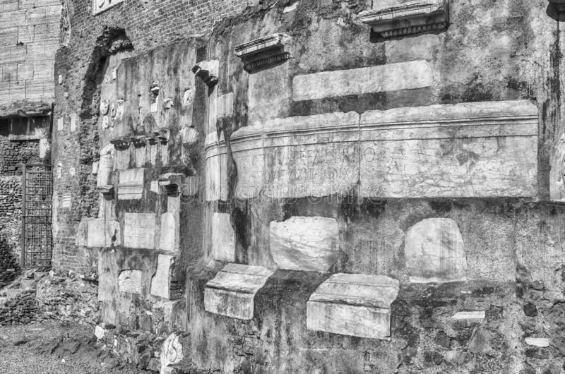 塞西莉亚Metella,罗马,意大利坟茔的废墟  库存照片