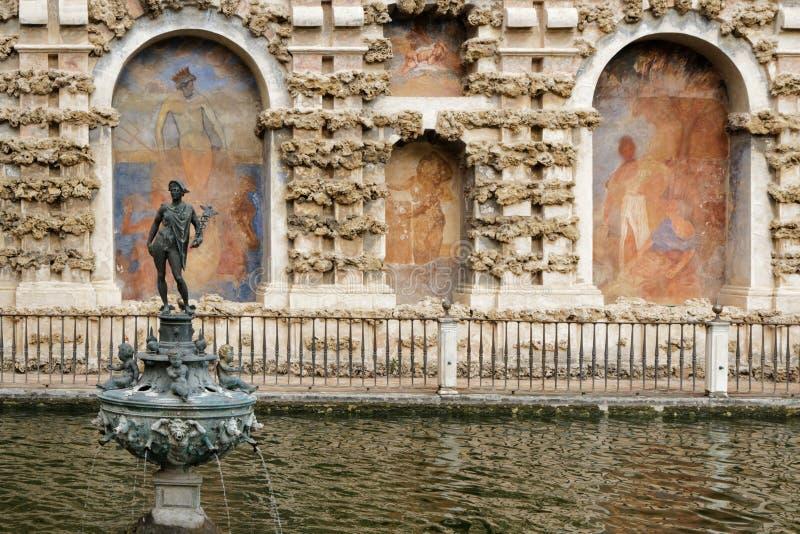塞维利亚庭院城堡  库存图片