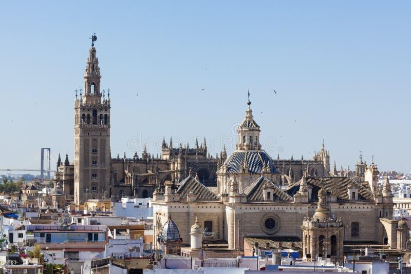 塞维利亚通告大教堂和教会  免版税库存照片