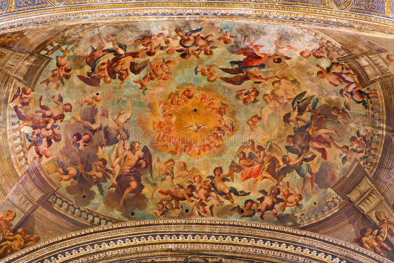 塞维利亚-天使天花板巴洛克式的壁画在萨尔瓦多的教会的长老会的管辖区的天堂 免版税图库摄影