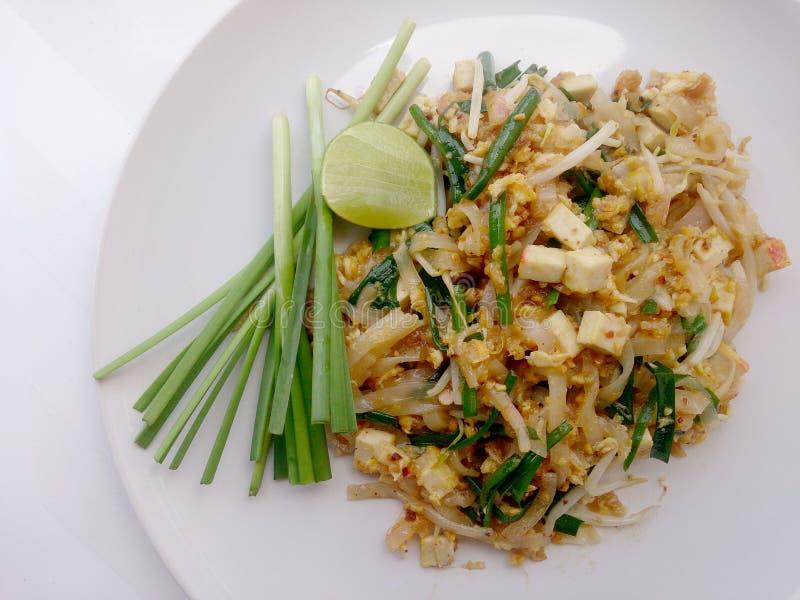 填塞与豆腐的泰国,混乱油煎的米线 那个泰国的全国主菜 免版税库存图片