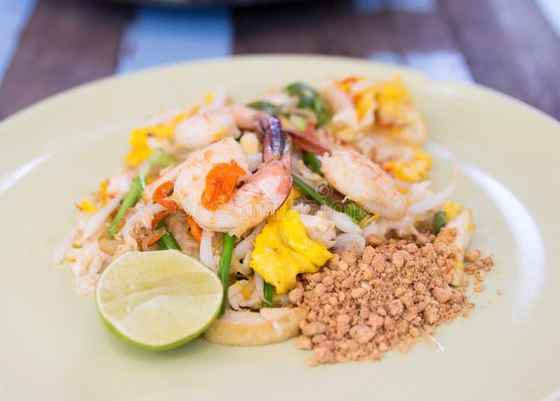 填塞泰国,泰国食物混乱油炸物面条用虾,菜和 库存图片
