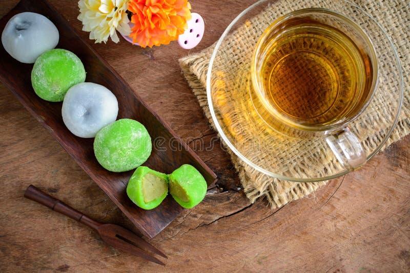 填装用茶的Daifuku绿茶和芝麻 库存照片