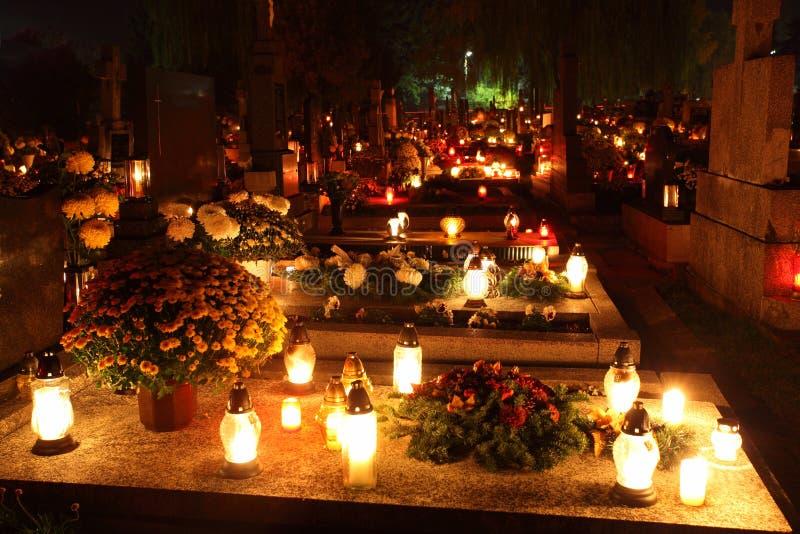 墓地在晚上 库存照片