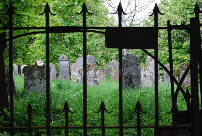 墓碑在一座公墓在苏格兰 库存图片