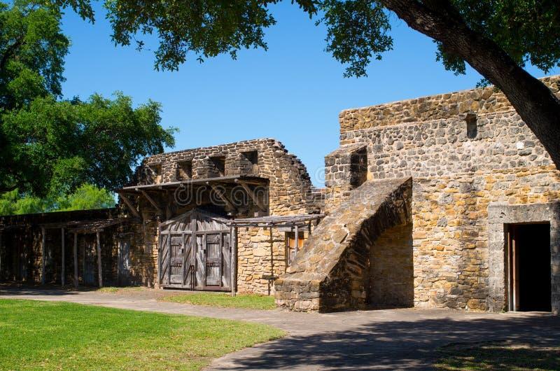 墙壁和门有支柱的,使命圣何塞 库存照片
