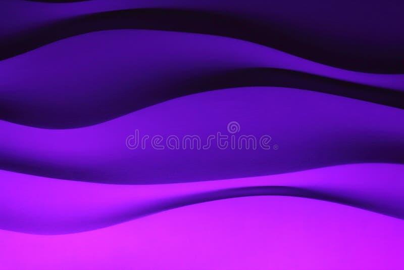 墙壁背景波浪紫色 免版税库存照片