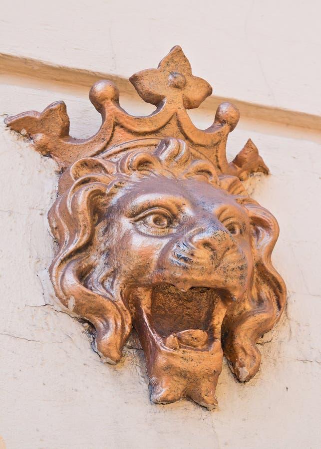 墙壁装饰元素狮子头 库存图片