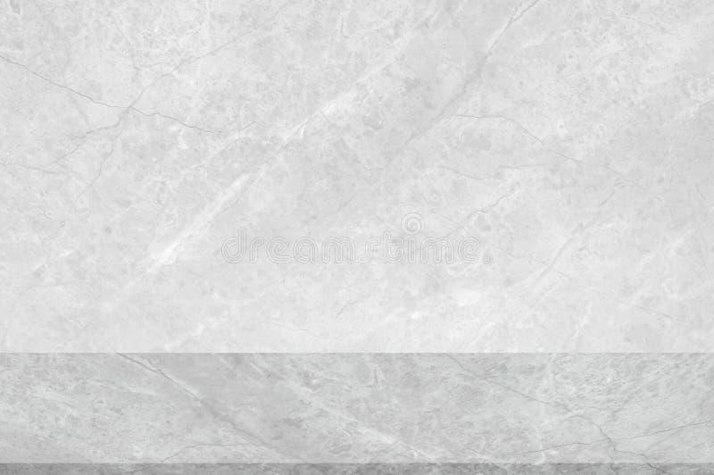 墙壁难看的东西白色混凝土有轻的背景 肮脏的轻的墙壁具体黑板纹理和飞溅或者抽象背景 免版税库存图片