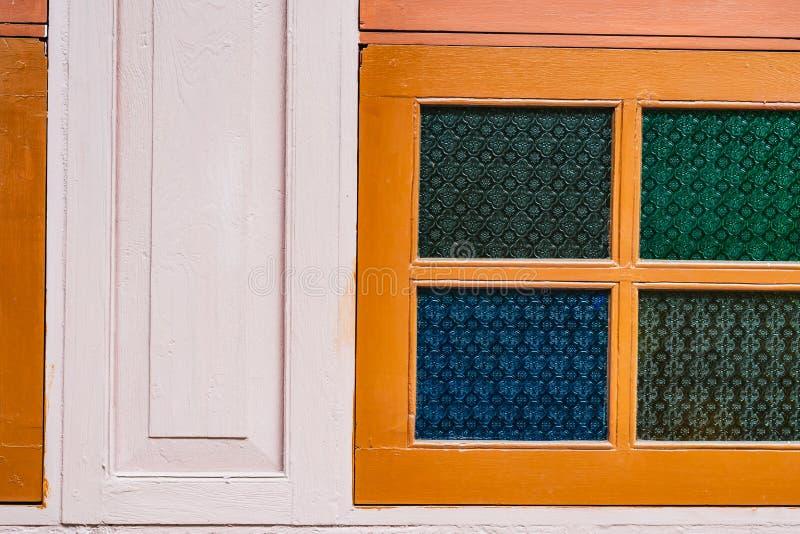 墙木复古风格,复古色玻璃 免版税库存照片