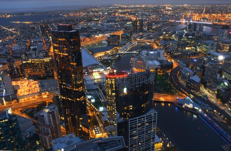 墨尔本CBD市鸟瞰图在晚上澳大利亚 库存图片