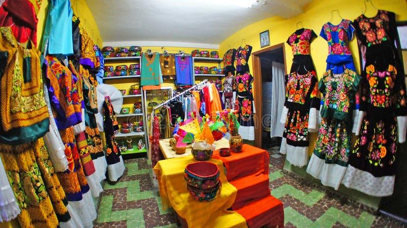 墨西哥传统礼服在瓦哈卡,墨西哥 免版税图库摄影
