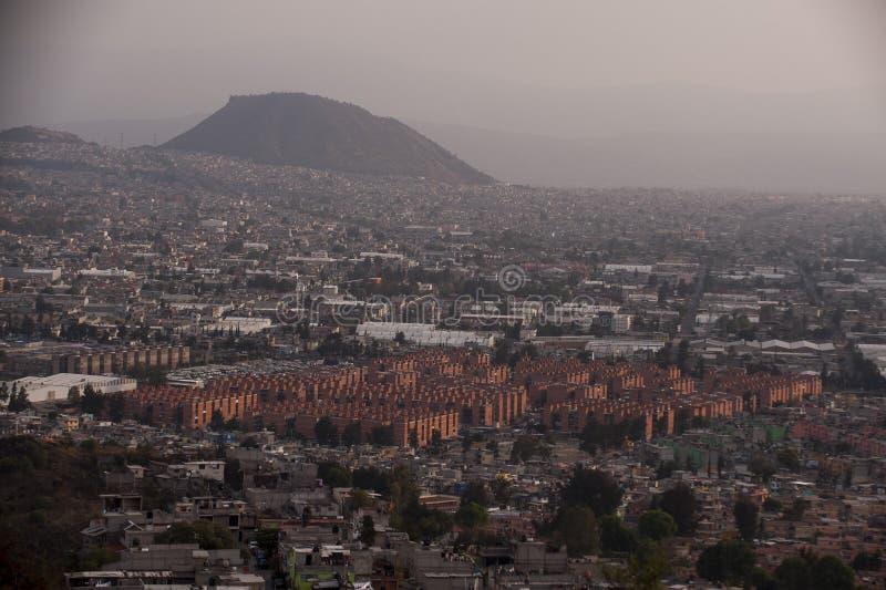 墨西哥城鸟瞰图 免版税库存图片