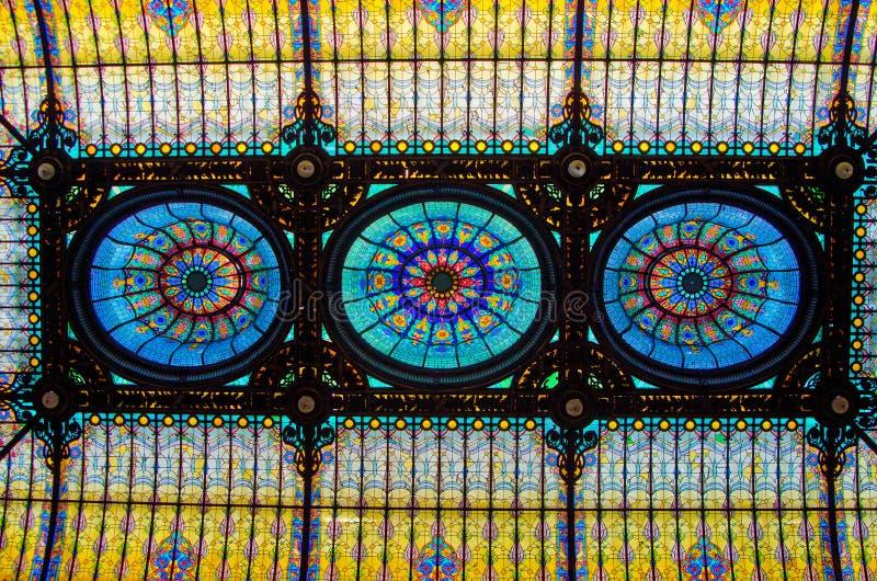 墨西哥城,墨西哥- 2012年4月12日 Gran旅馆Ciudad与彩色玻璃内部的de墨西哥内部  库存照片